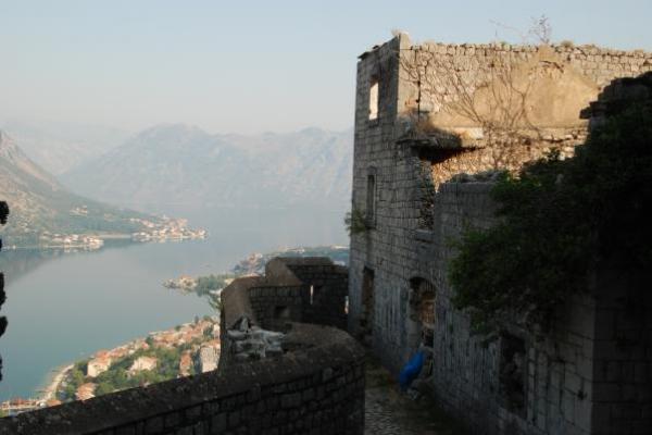03-uitzicht-vanaf-het-fort-van-kotorD2ACA154-9DA1-F982-6691-83A7BE9114B8.jpg