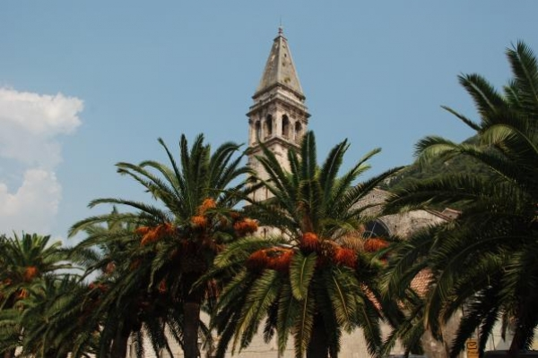 06-klokkentoren-van-de-st-nicolaaskerk-in-perastF75E72E7-1D9C-6A5B-A750-8B7FF9777B4B.jpg