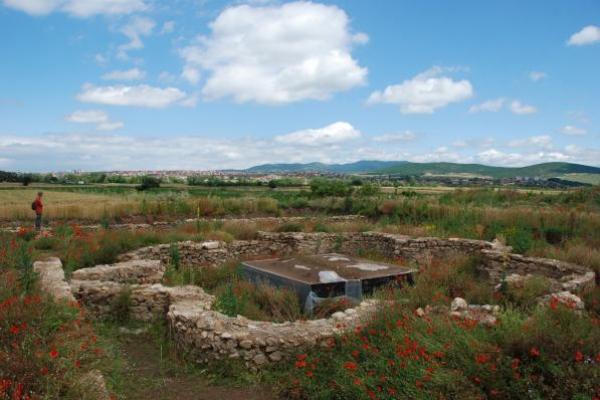 8-restanten-van-een-vroegchristelijke-kerk-in-ulpiana40256D34-06BE-C714-6D5D-7FBB2DE6333B.jpg