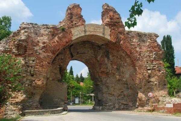 06-romeinse-stadspoort-in-hisar77470AA4-3074-BBC3-5463-597CBFD01C45.jpg
