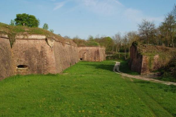 06-neuf-brisach-fort-van-vaubanC08C4724-8138-273F-0546-C11907B849E8.jpg