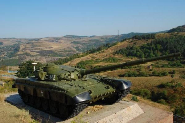 02-tank-uit-de-oorlog-met-azerbeijan-en-bevrijding-van-shushiB04476C9-F9C7-5F1B-C616-933AE0E9235B.jpg